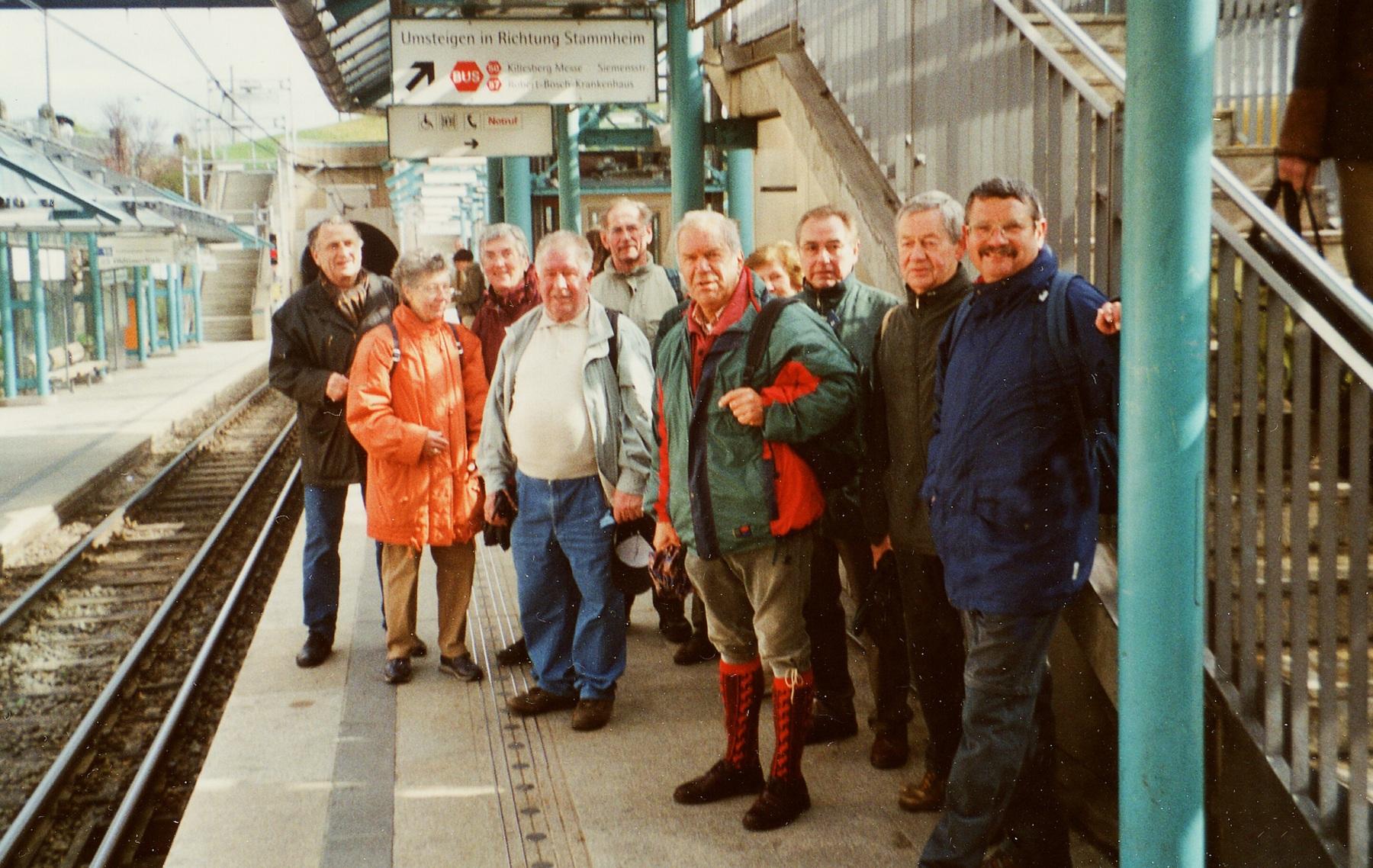2002_03_29 Stuttgart, S-Bahnstation Zuffenhausen