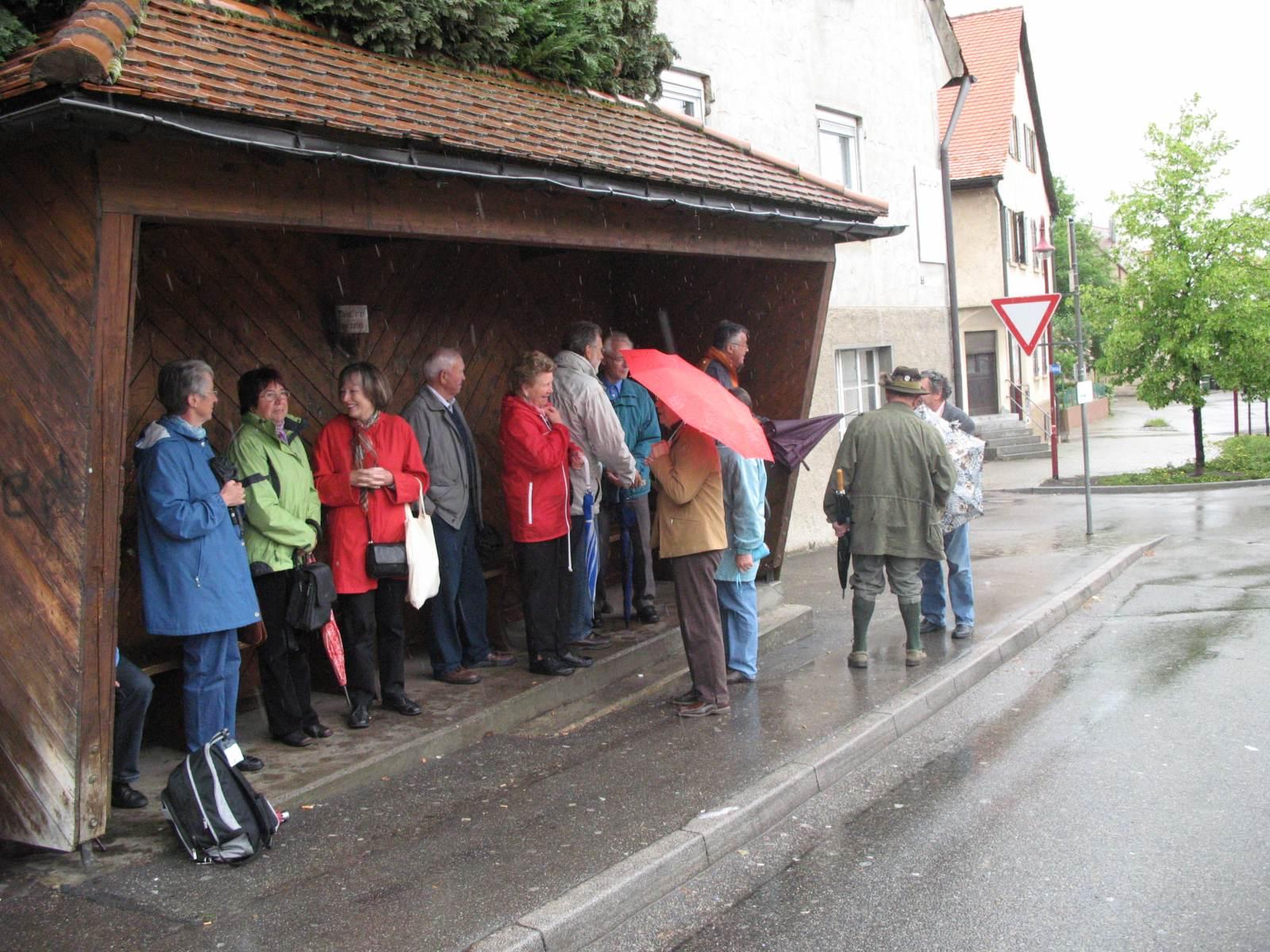 2007_05_09-Stuttgart-Warten-auf-den-Bus