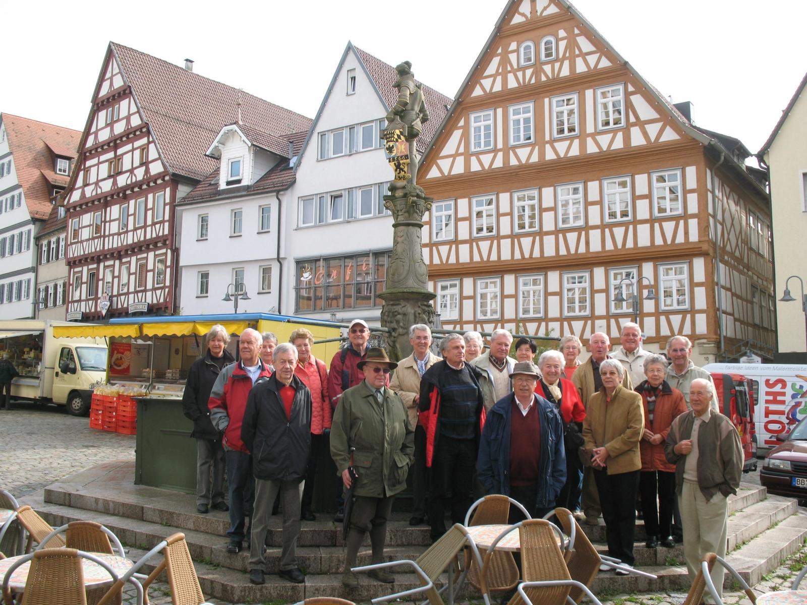 2009_05_06  Leonberg, am Marktbrunnen