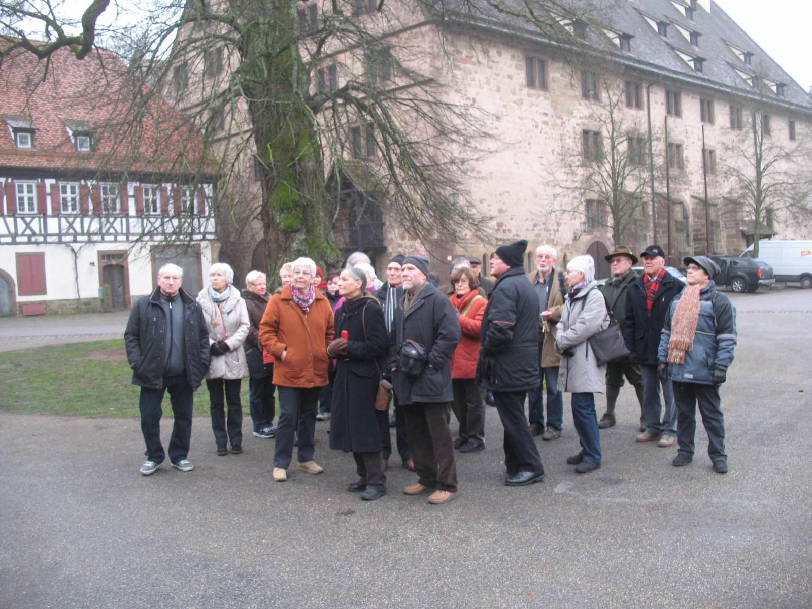 2013_12_11 Maulbronn, Im Klosterhof