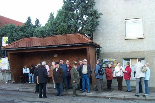 2006_11_15 Stuttgart, Warten auf den Bus
